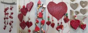 Ανάγλυφες Κρεμαστές Κεραμικές Καρδιές